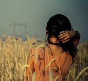 Девушка с талисманом
