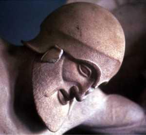 Скульптура их древнегреческого храма